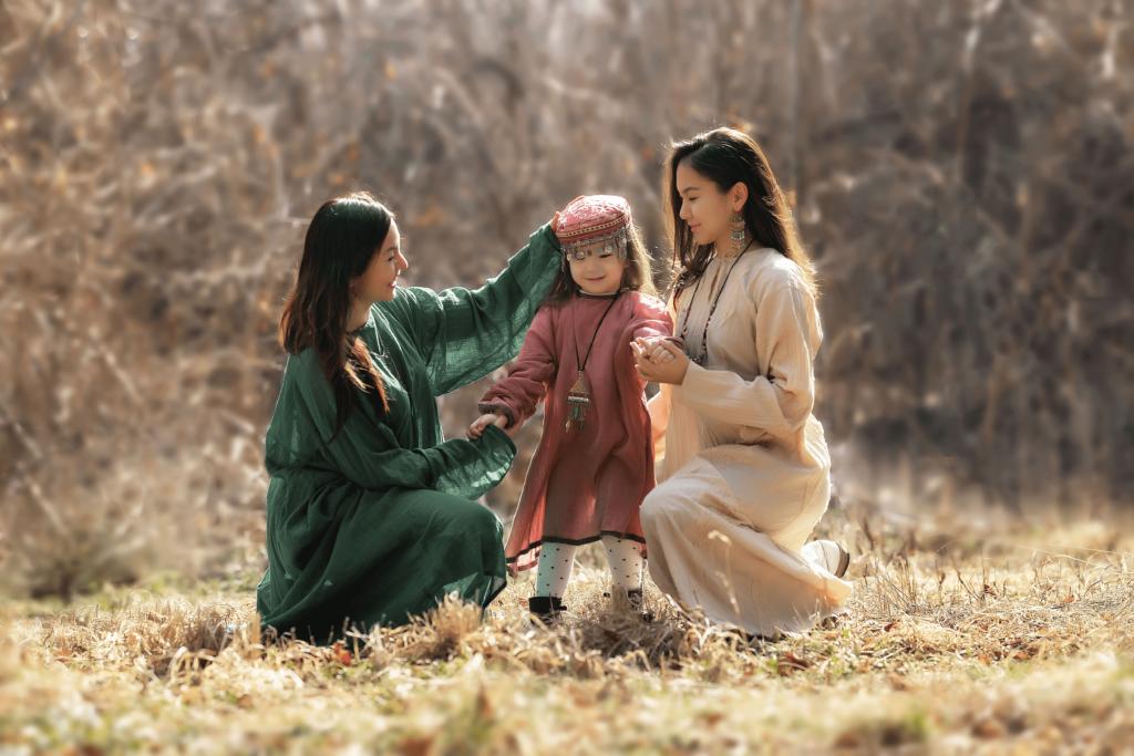 V Kazachstane žije množstvo etnických skupín a národností. Takto sa kedysi obliekali Kazaši. (ilustračné foto)